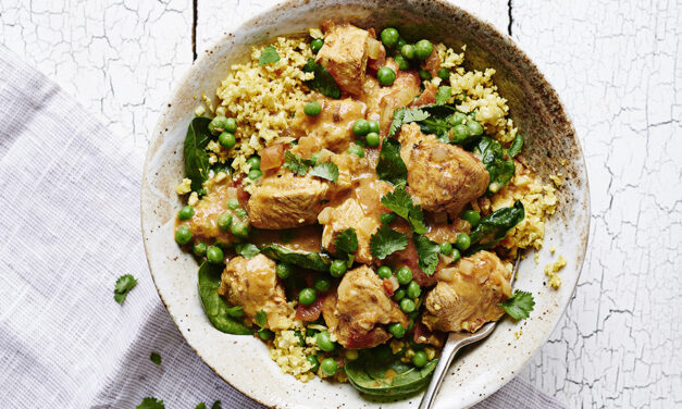 Spiced Turkey Curry with Spinach, Peas and Cauliflower Rice