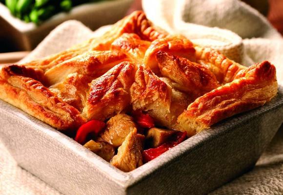 Turkey, mushroom & red pepper pie